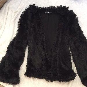 Run Cinta Run faux fur jacket